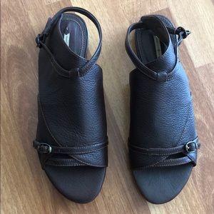 Max Studio brown leather samurai sandals 8.5